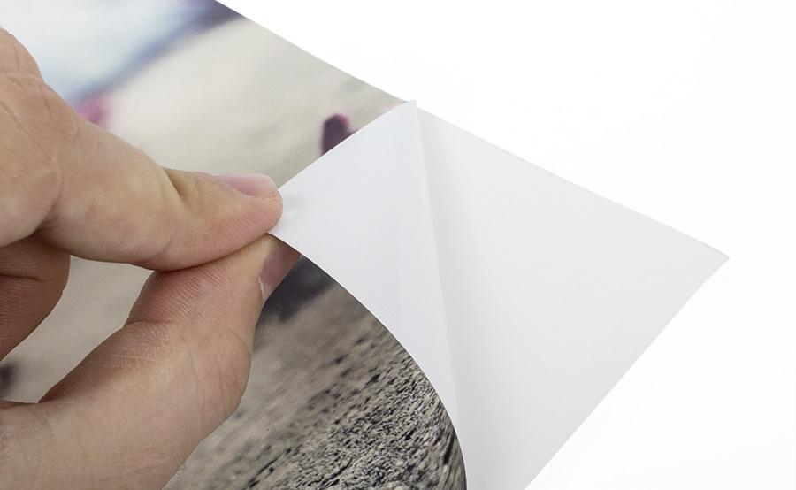 Fotografía de un vinilo impreso